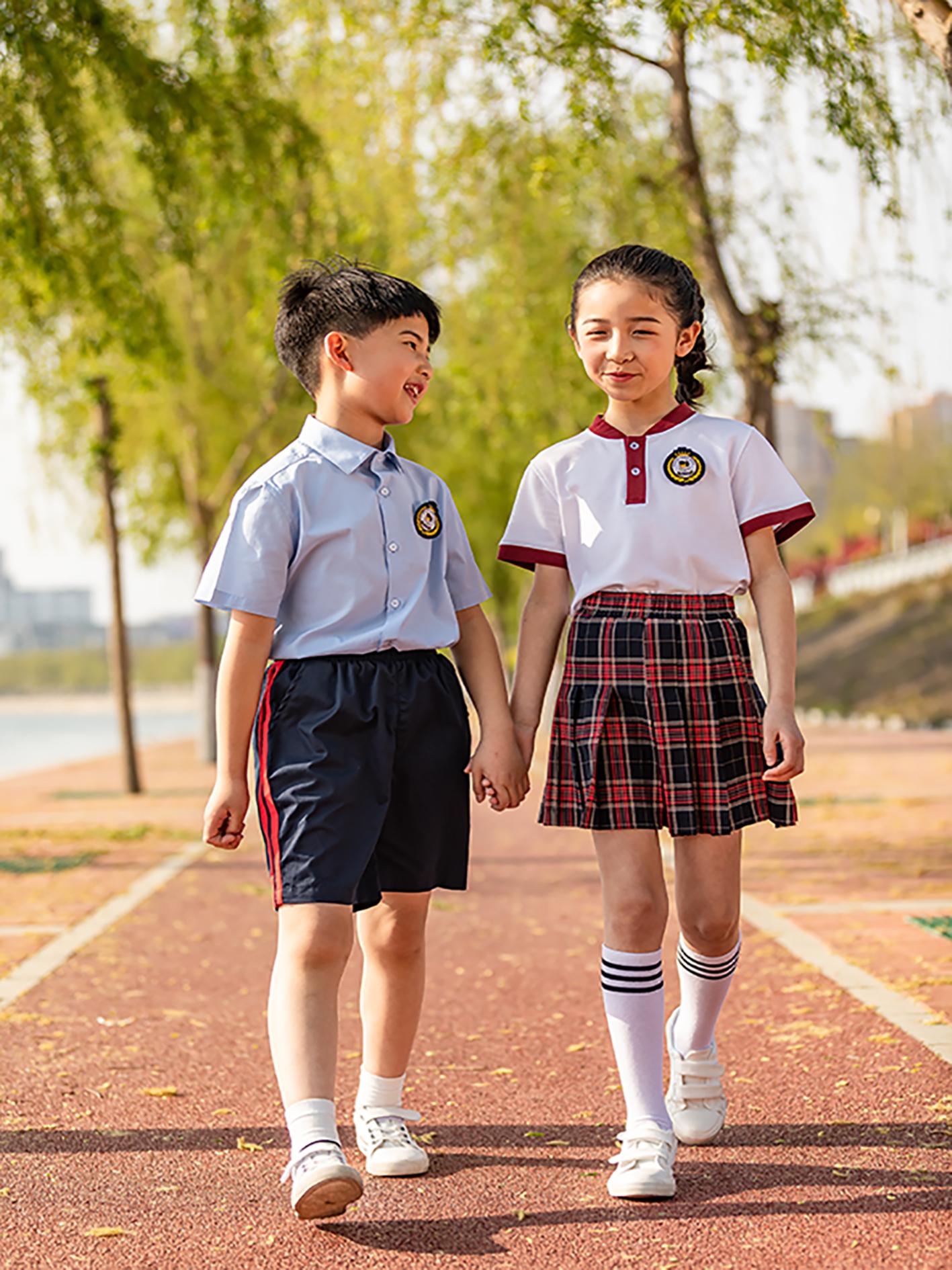 为什么私立学校的校服都要比公立学校的好看?